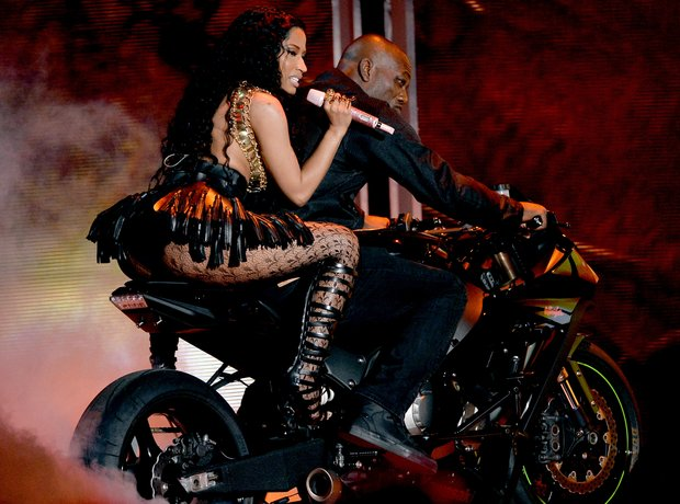 Nicki Minaj performing at BET Awards 2014