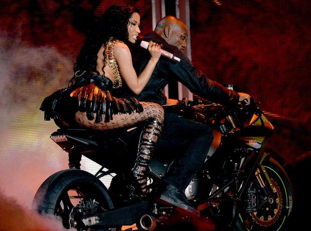 Nicki Minaj performing at BET Awards 2014