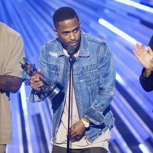 Kanye West Big Sean and John Legend MTV VMAs 2015