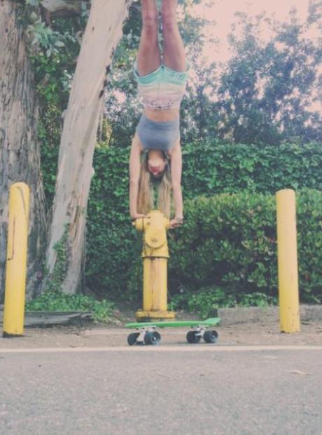 Pia Mia Handstand