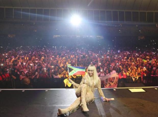 Nicki Minaj selfie with South Africa crowd