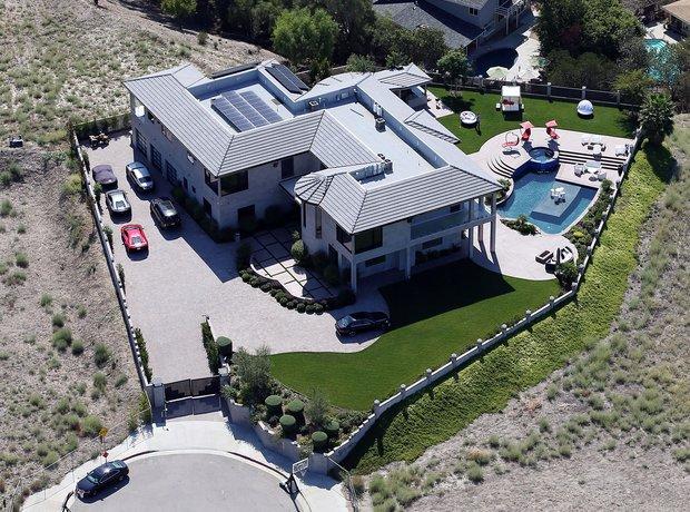 Chris Brown's home in Tarzana